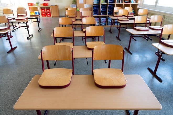 خبرنگاران نگرانی والدین و استیصال مدارس در انگلیس